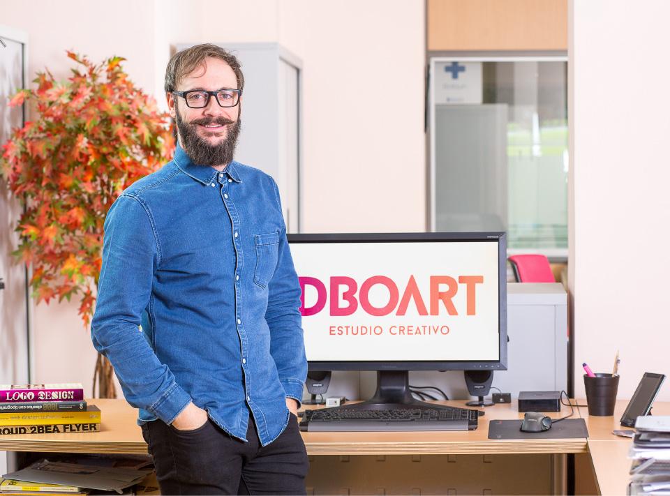 Raúl Garzo. Diseñador gráfico y desarrollador Web.